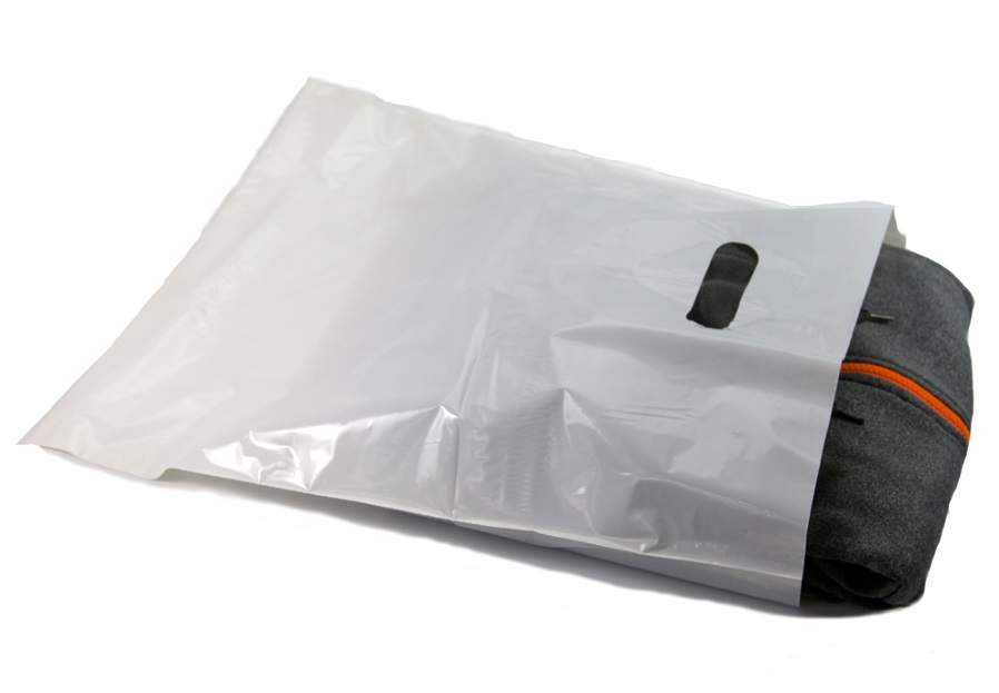 12x3x20 White Die Cut Handle Bags - Merchandise 1000/CASE